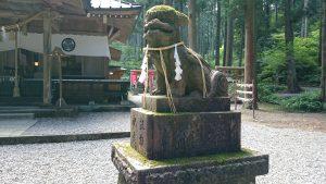 御岩神社 狛犬 (2)