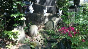 葛谷御霊神社 力石