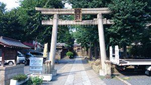 上田端八幡神社 鳥居と社号標