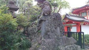 千葉神社 獅子児鍛錬像 (2)
