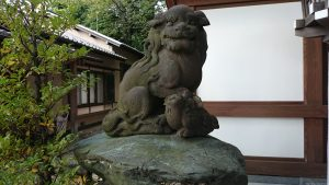 代田八幡神社 狛犬 (1)