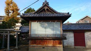 六月八幡神社 神楽殿