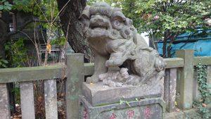 西久保八幡神社 拝殿前狛犬 (2)