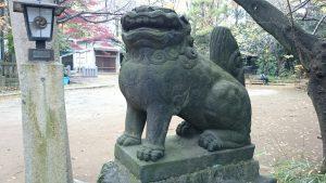 西久保八幡神社 二の鳥居脇狛犬 (2)