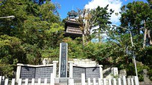 意富比神社(船橋大神宮)灯明台