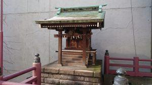 誕生八幡神社 重箱稲荷神社