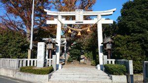 前川神社 社号標と鳥居