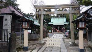 高円寺天祖神社 鳥居と社号標