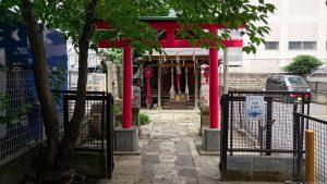 雷電稲荷神社 二の鳥居開門