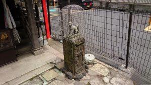 雷電稲荷神社 拝殿前狐像 (2)