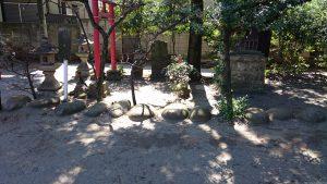 田端神社 力石