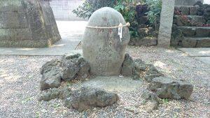 八幡大神社 力石