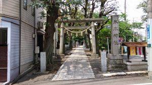 中野氷川神社 一の鳥居と社号標