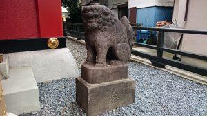 十寄神社(十騎神社) 拝殿狛犬 (1)