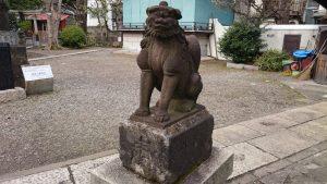 鮫洲八幡神社 鳥居脇昭和16年狛犬 (2)