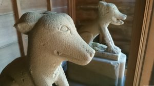 上板橋御嶽神社(桜川御嶽神社) 板橋区登録有形民俗文化財狛犬(狼像)
