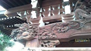 三輪里稻荷神社(こんにゃく稲荷) 向拝部彫刻 (獅子木鼻)