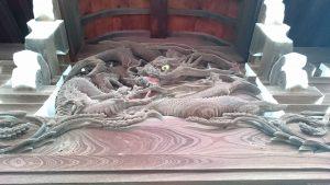 三輪里稻荷神社(こんにゃく稲荷) 向拝部彫刻 (龍)