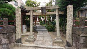 大森諏訪神社境外摂社・金山神社 鳥居と社号標