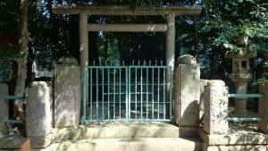 東新町氷川神社 戦歿者之碑