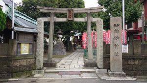 大森諏訪神社 鳥居と社号標