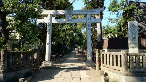 城山熊野神社 鳥居と社号標