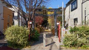 大和町八幡神社 鳥居と社号標