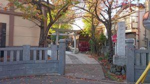 隅田稲荷神社 社号標と玉垣