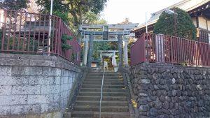 上高田氷川神社 鳥居と社号標