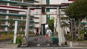 隅田川神社 一の鳥居と社号標