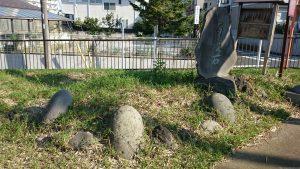西熊野神社 力石・百度石