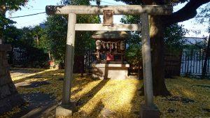 上高田氷川神社 境内社鳥居