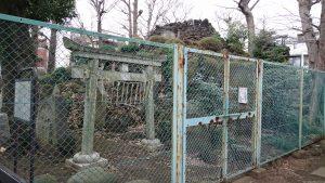 豊島区高松浅間神社 豊島長崎の富士塚 社殿側景観