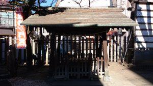 白幡八幡神社(千住宮元町) 手水舎