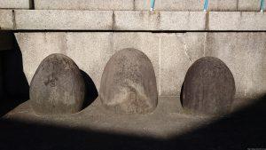 河原町稲荷神社 力石