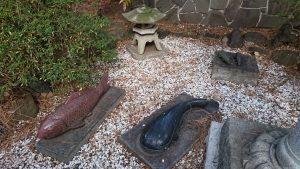 野毛六所神社 多摩川水神社 川魚の石像