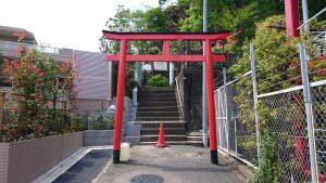 東山稲荷神社(東山藤稲荷神社) 一の鳥居