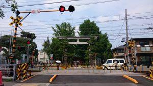 葛飾八幡宮 参道の踏切