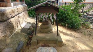 葛飾八幡宮 厳島社 石蛇像