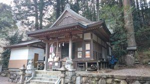 檜原村九頭龍神社 社殿と境内社