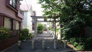 上千葉香取神社 鳥居と社号標