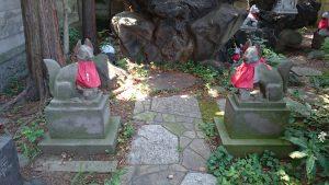 駒込日枝神社(朝日山王宮) 日吉稲荷神社 神狐像