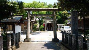 小菅神社 鳥居と社号標