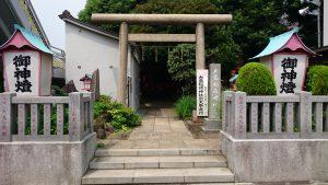 大島稲荷神社 鳥居と社号標