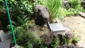 大島稲荷神社 出世開運牛